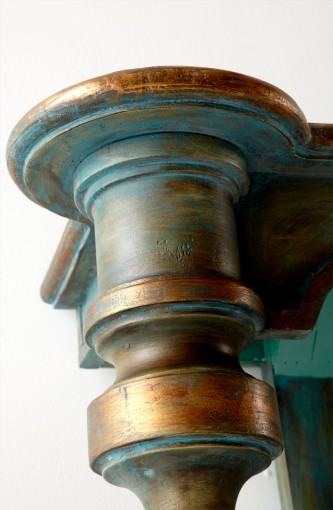 05695 Finial Flush Table- Detail