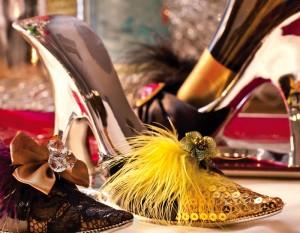2BHS0010 Gold Sequin Silver Shoe Wine Holder
