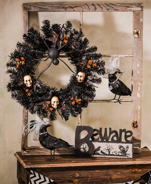8WR087_thePHAGshop_Black Halloween Spider Skull Wreath- Use
