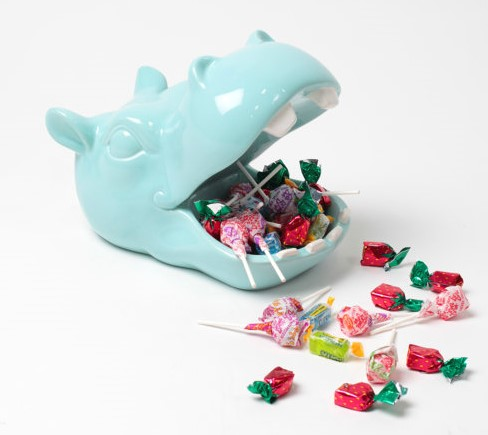 ACD010_thePHAGshop_Retro Kitsch Hippo Candy Dish- Use