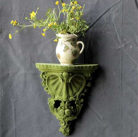 DA3590 Flocked Green Wall Shelf Use