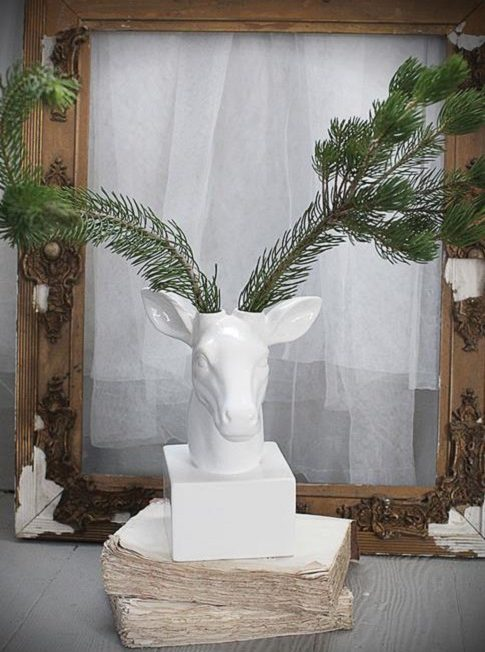 Un494 Thephag Dolomite White Deer Decor Vase
