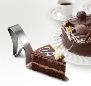 UTU3G10033_thePHAGshop_Dessert Diva High Heel Shoe Cake Server- Use
